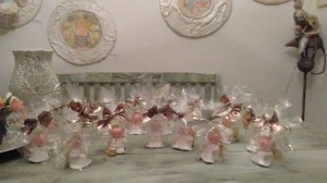 Engel aus Modelliermasse -  Acrylfarben