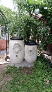 Wassertonnen im Romantik-look